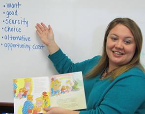 Erin Yetter teaches an economics education lesson