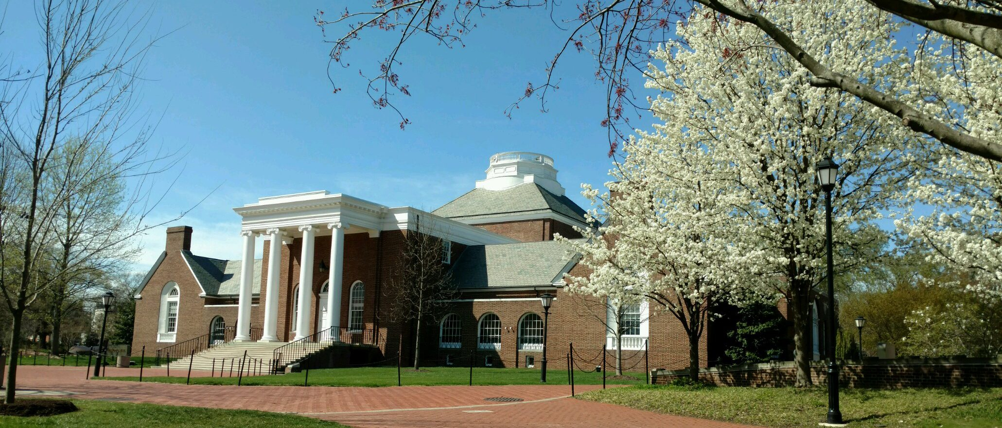 UD's Memorial Hall in the Spring.