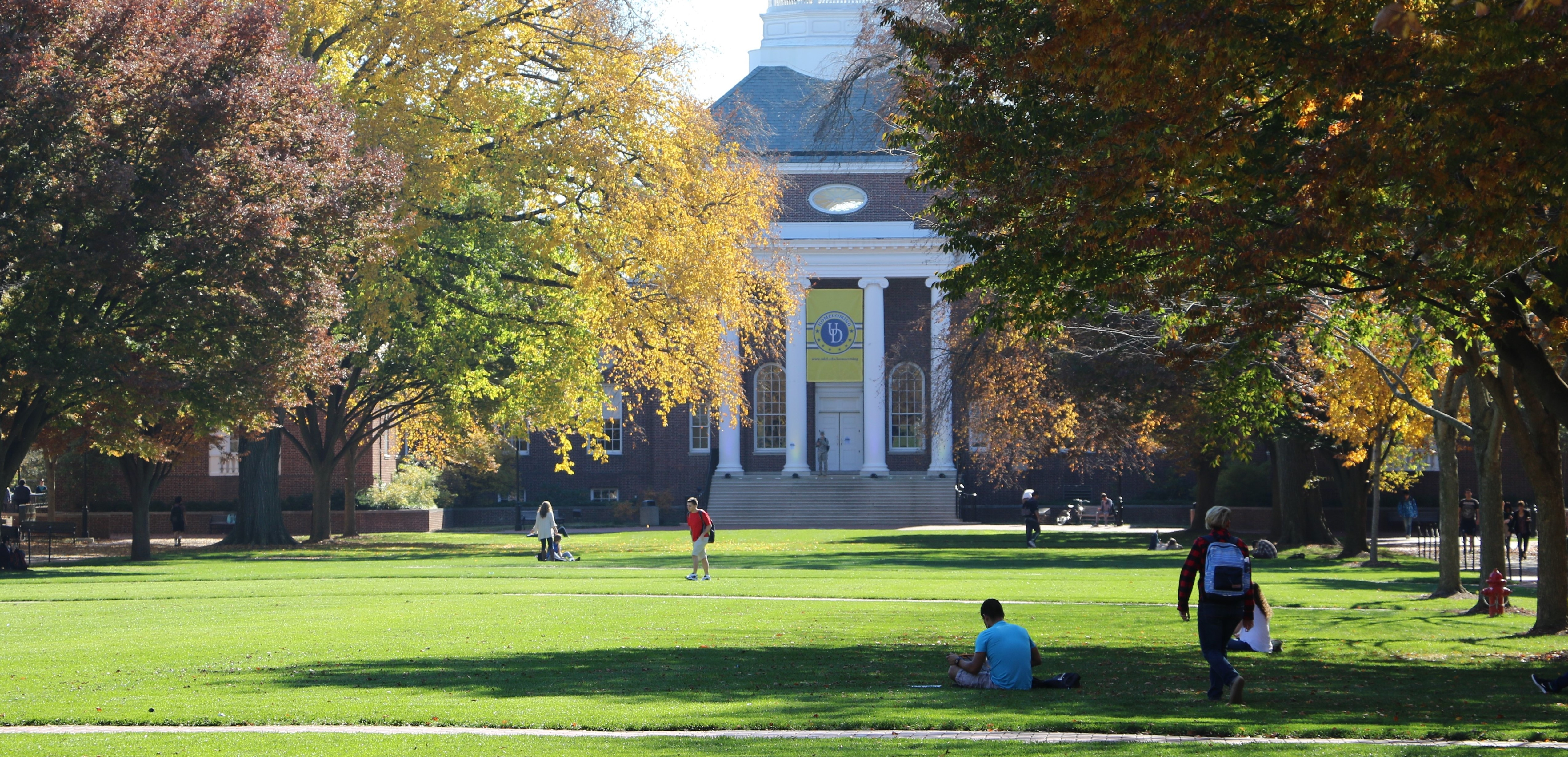 This image shows Memorial Hall and UD's Green during the Fall.